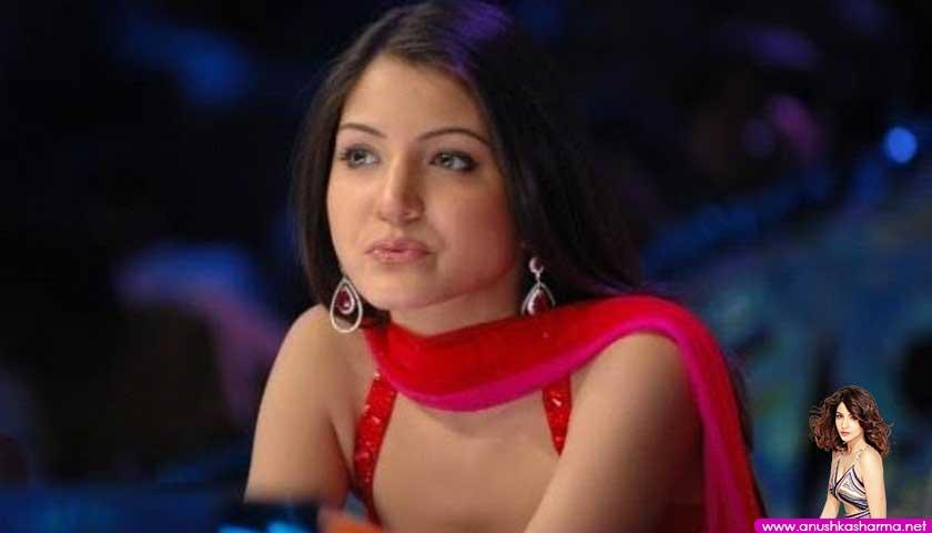 Anushka Aharma in red